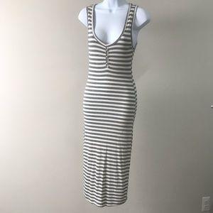 Sexy low-cut body con dress 👗